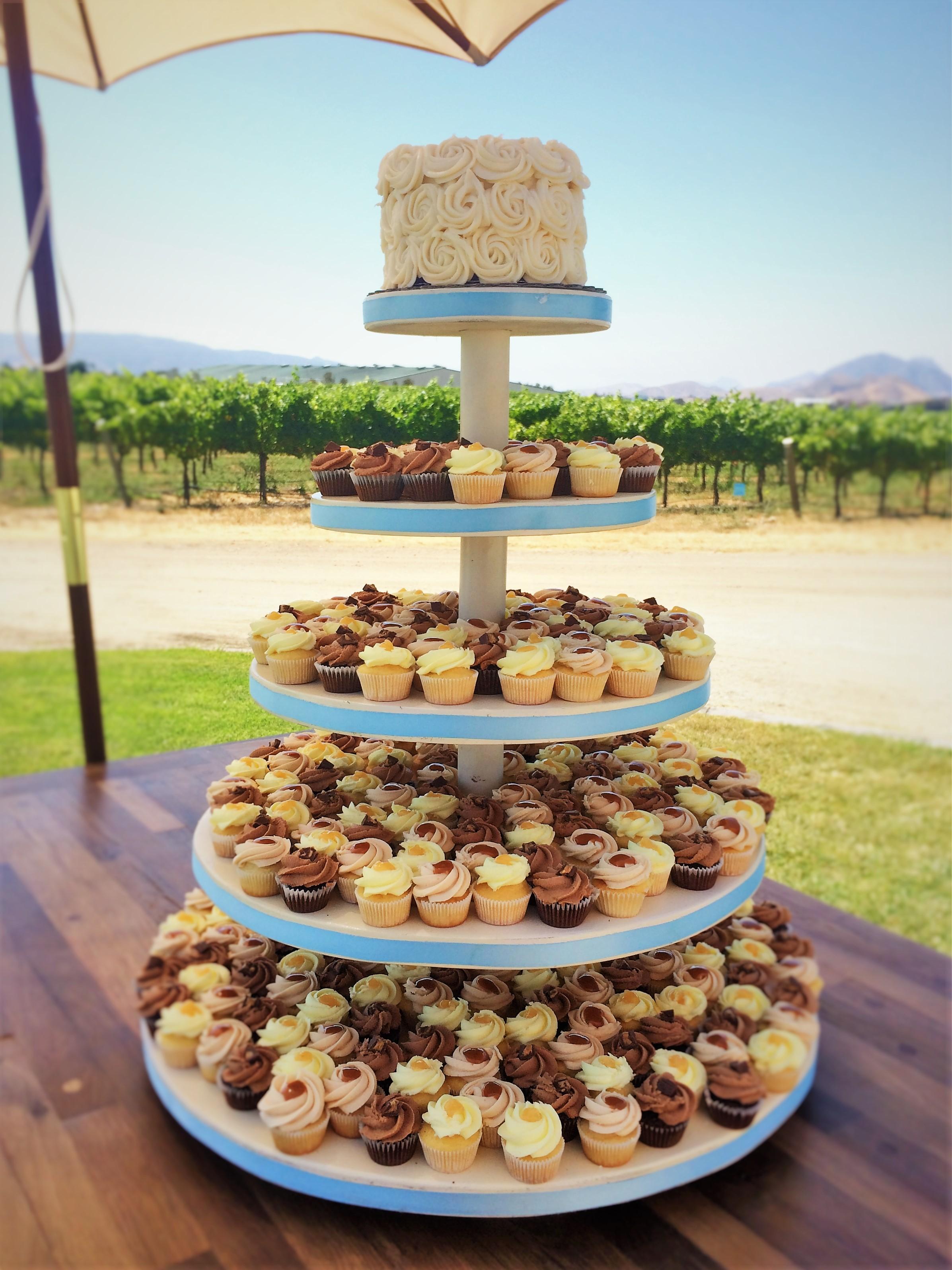 """360 mini cupcakes, 6"""" buttercream rosette cutting cake"""