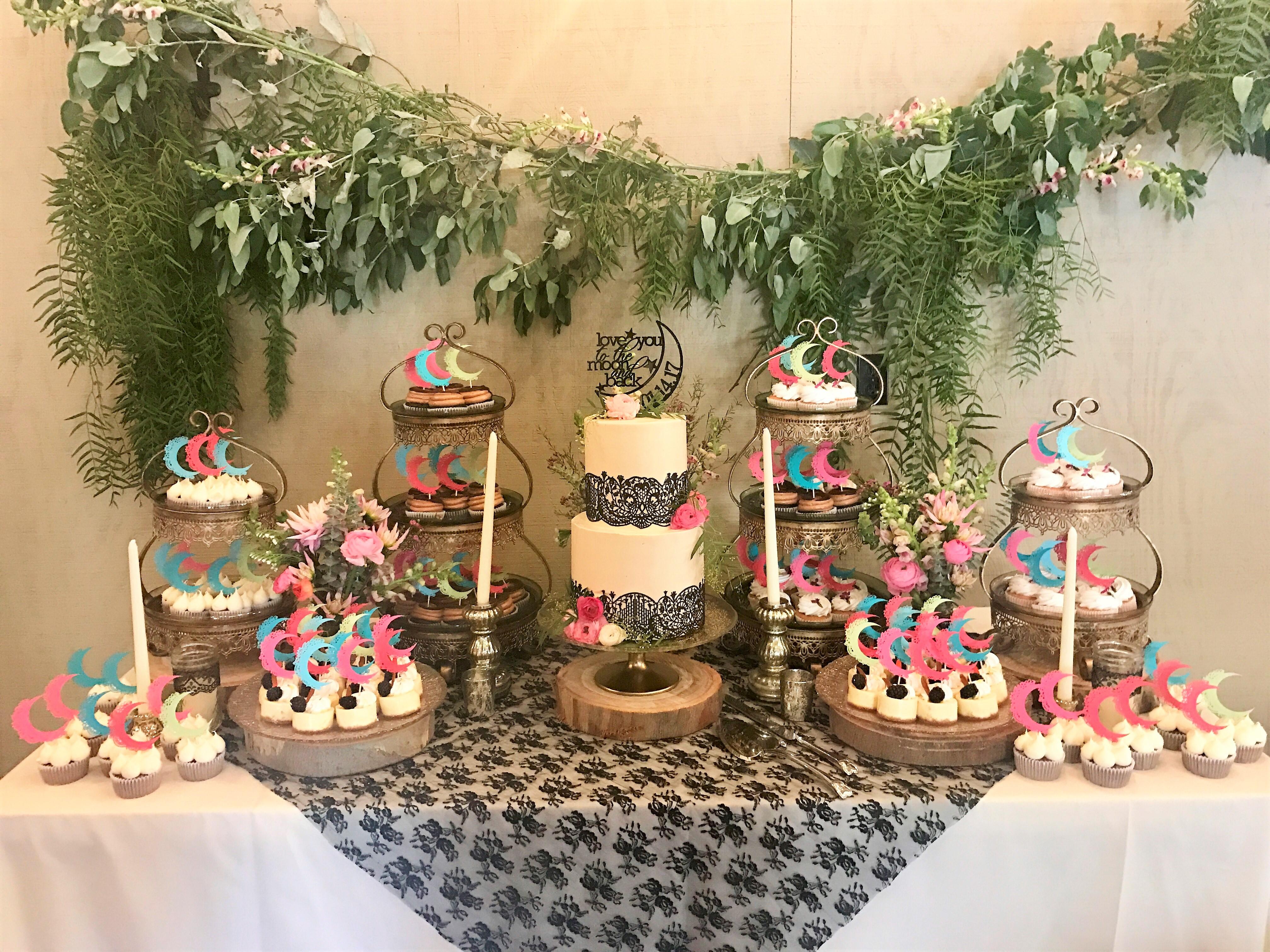100 cupcakes, 2 tier cake cutting cake