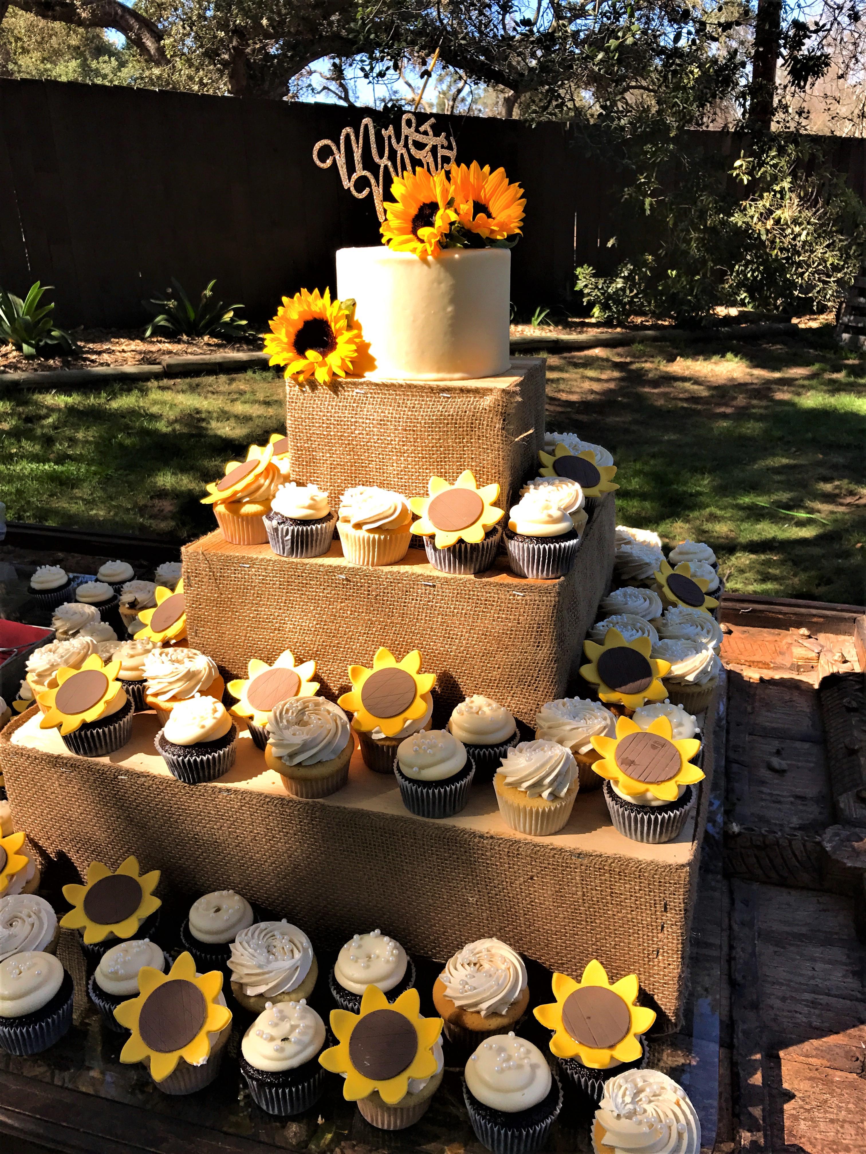 "125 cupcakes w/fondant sunflowers, 6"" classic simple cutting cake"