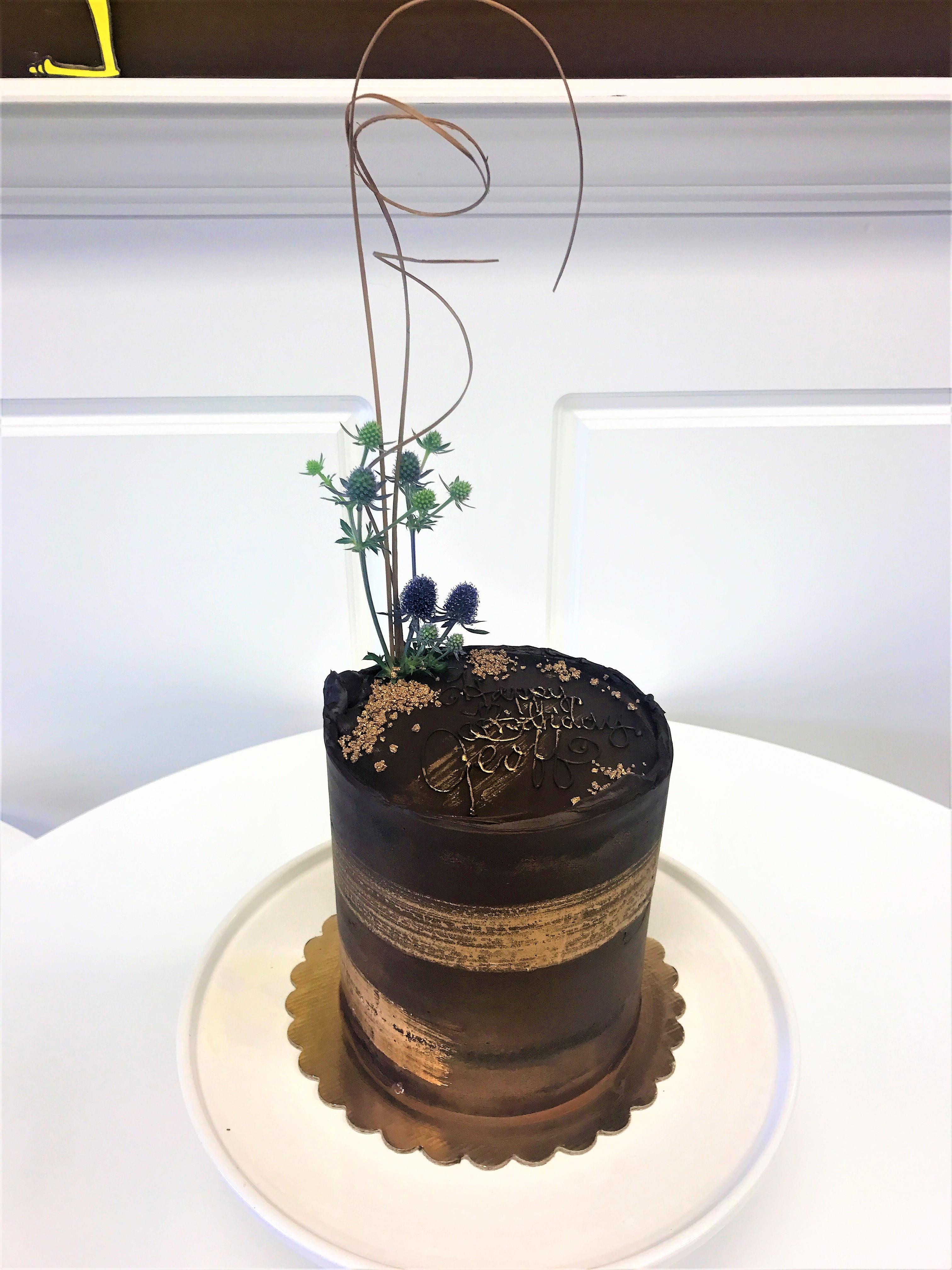 6'' chocolate coma cake