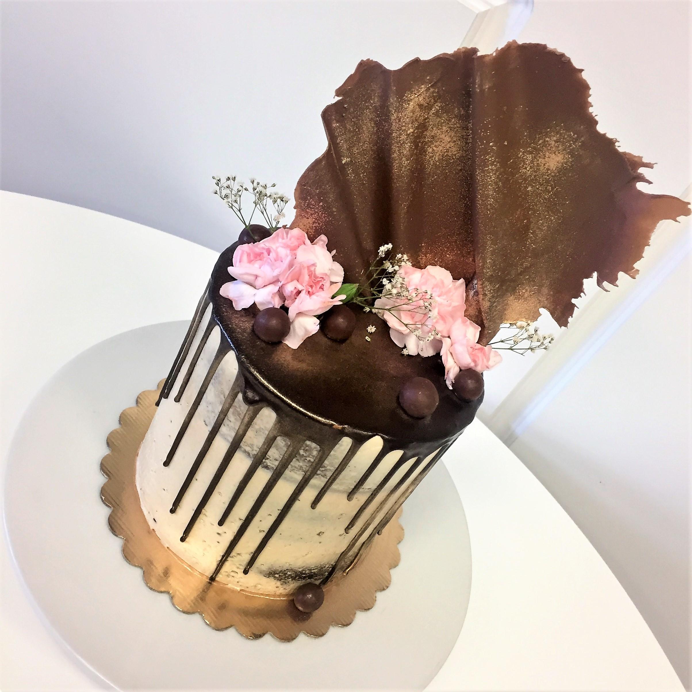 6'' chocolate caramel cake