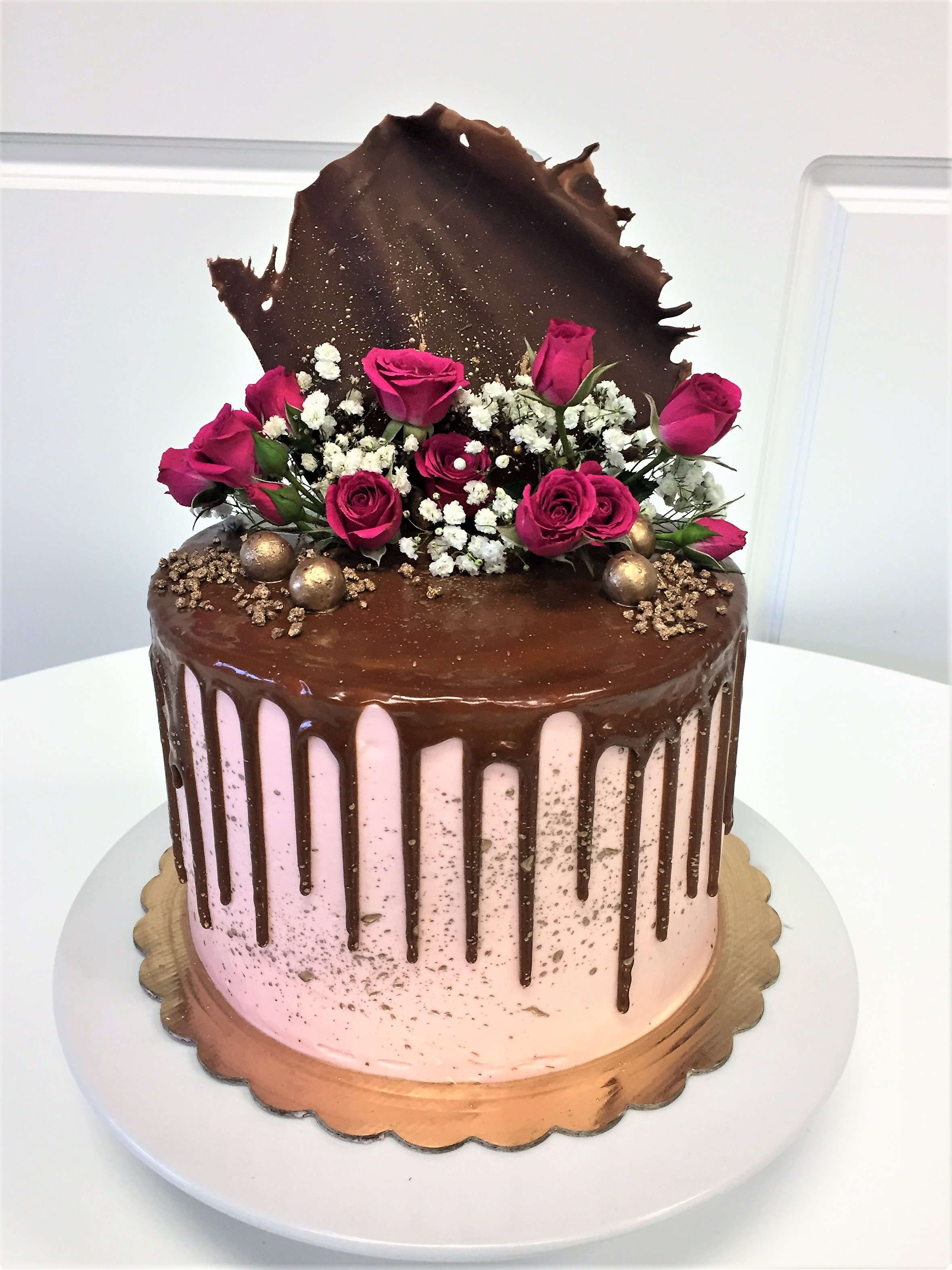8'' chocolate strawberry cake