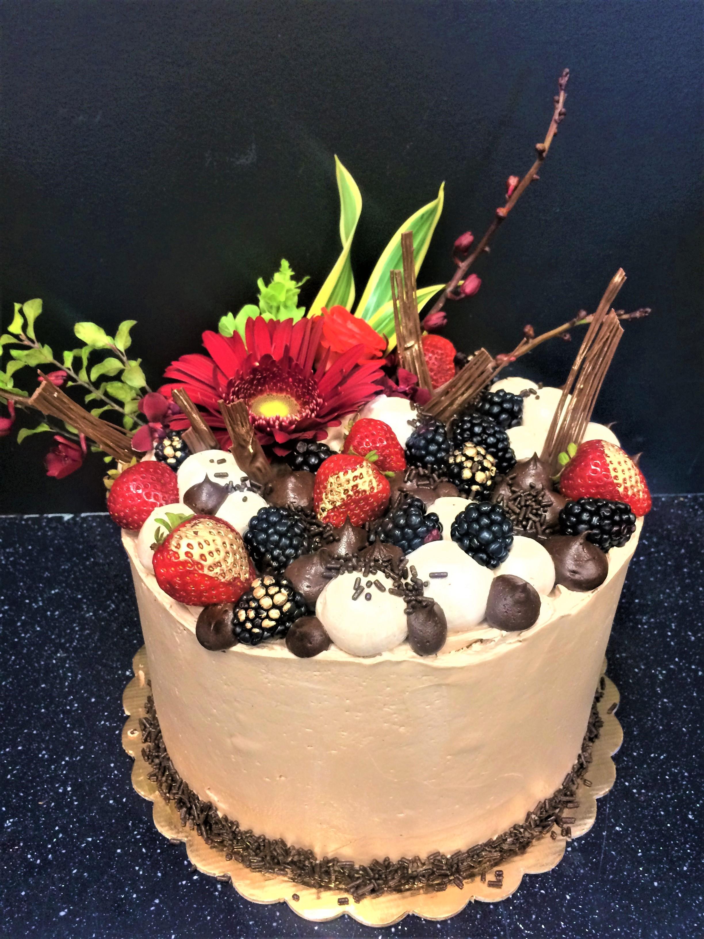 8'' chocolate berry cake