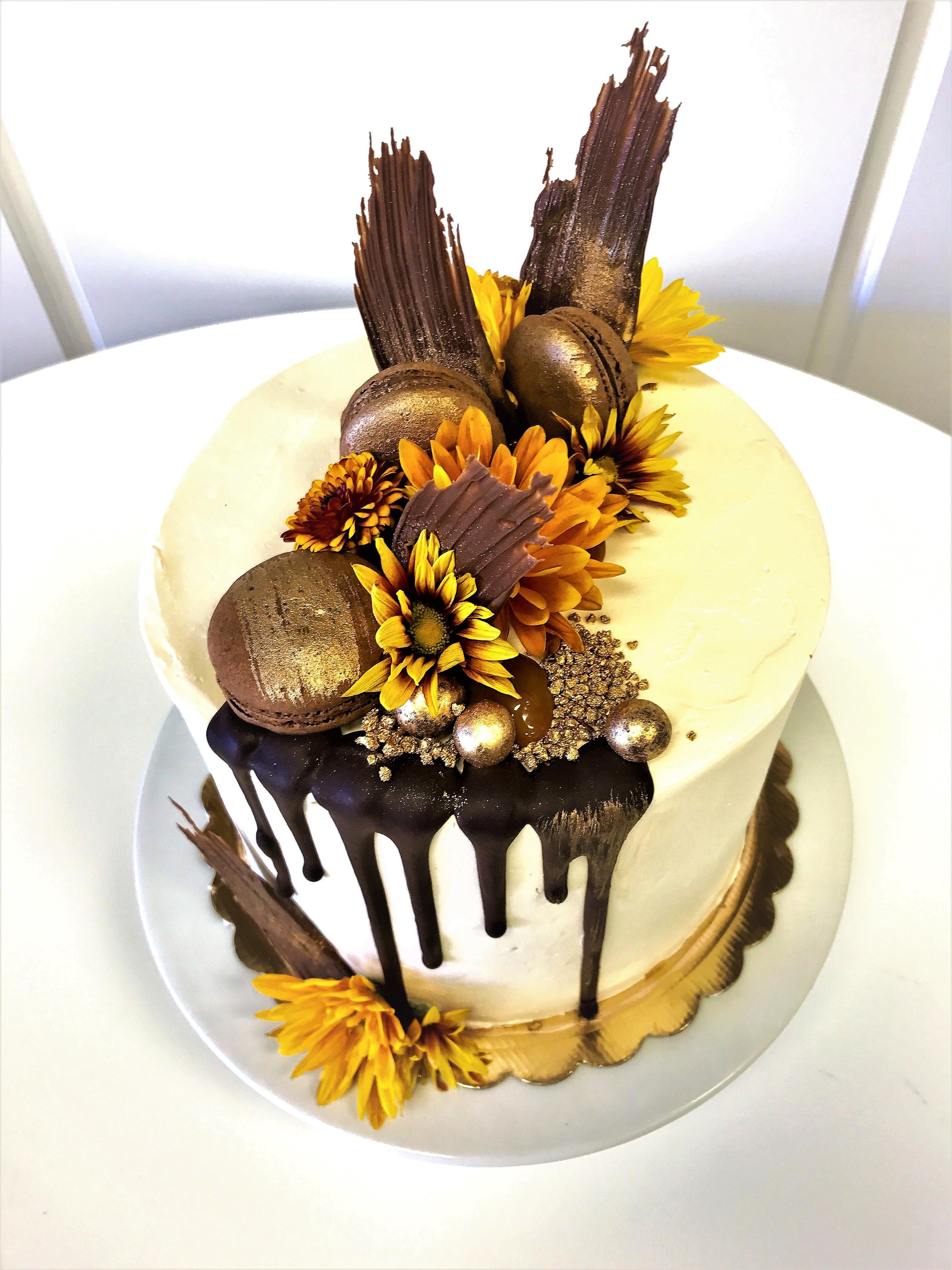 8'' chocolate salted caramel cake