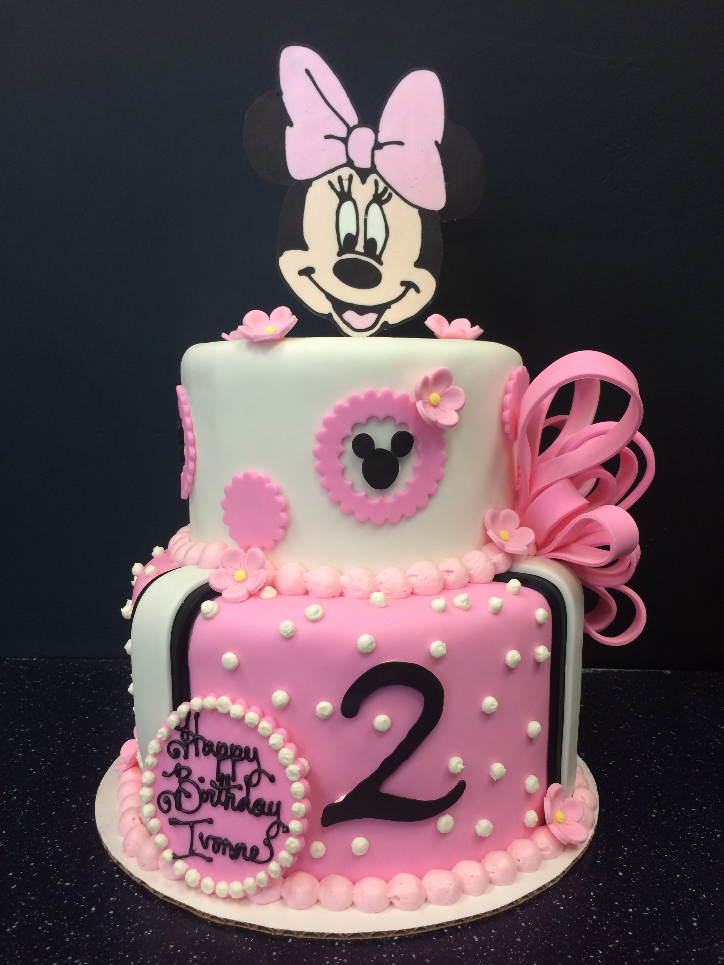 """2 tier: 6"""" / 8"""" minnie mouse cake"""