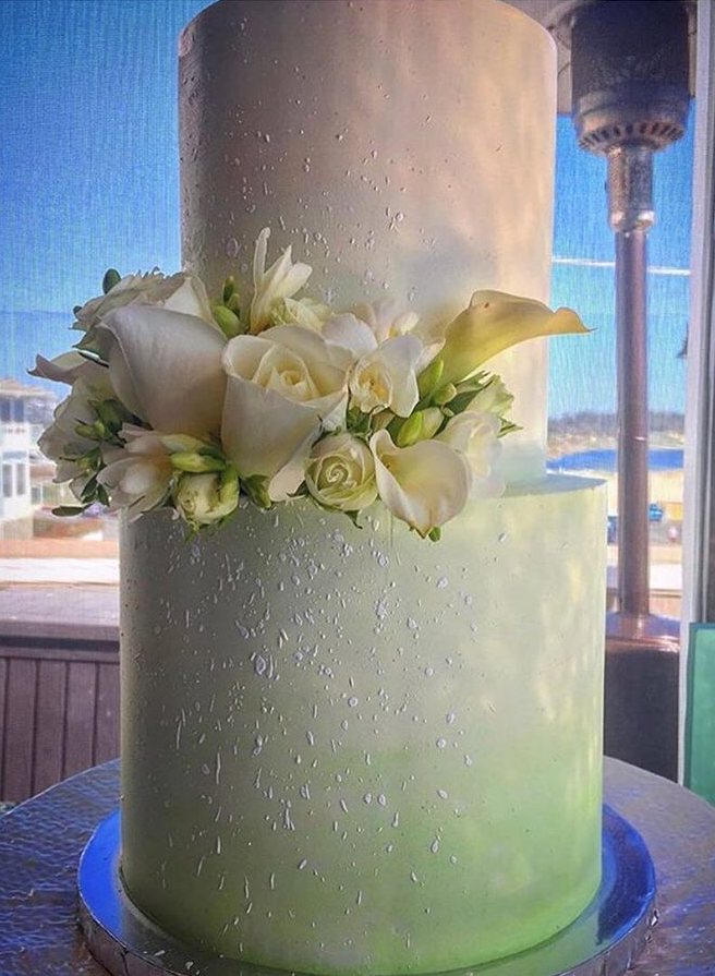 """2 tiered: 6"""" classic simple / 8"""" light green ombre with white splatter"""